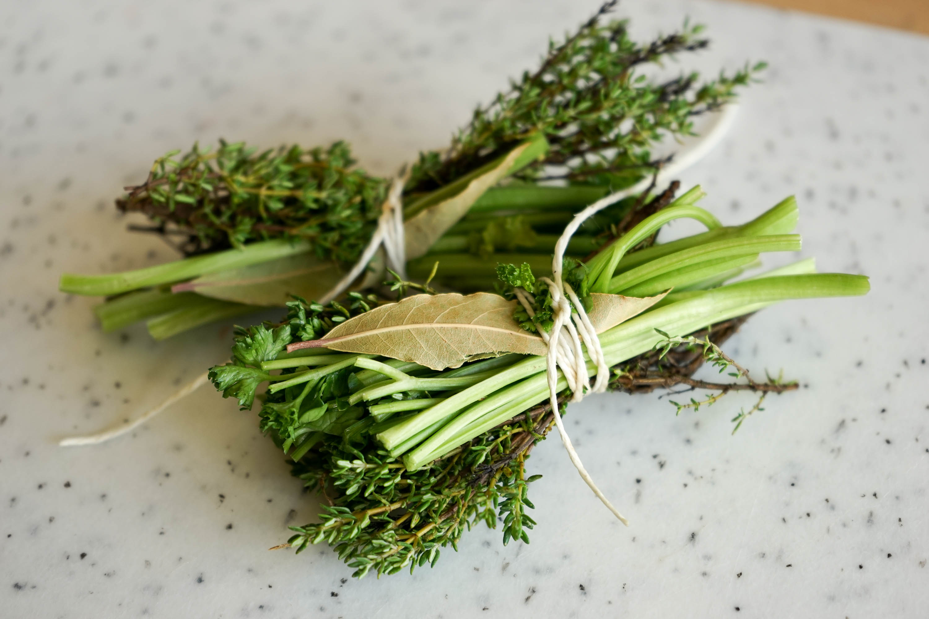 Bouquet garni d finition de bouquet garni lexique du vocabulaire de cuisine - Bouquet garni en cuisine ...
